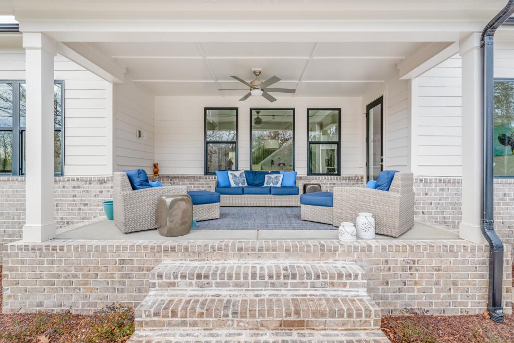 Rear porch2